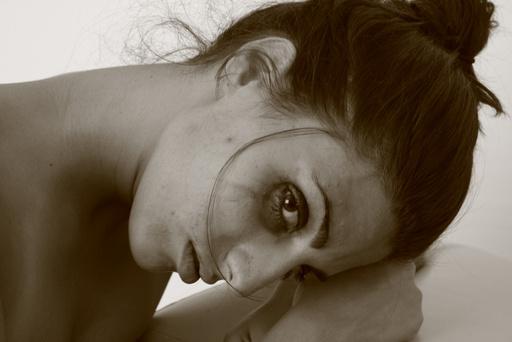 tristeza_mujer_maria_angel_pasquariello_cc_by_20_512_01